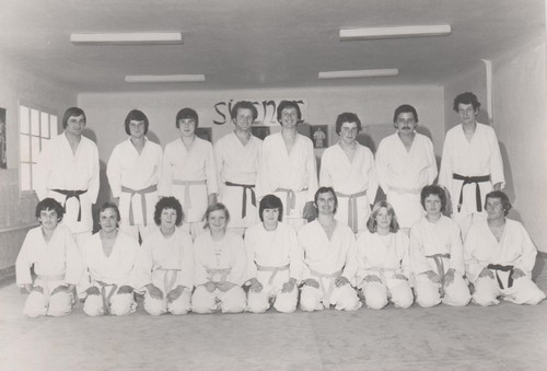 1976 1977
